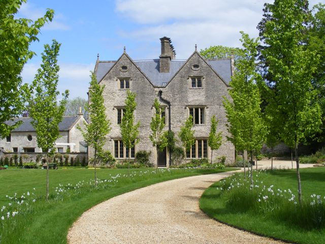 COUNTRY HOUSE GARDEN, GLOUCESTERSHIRE
